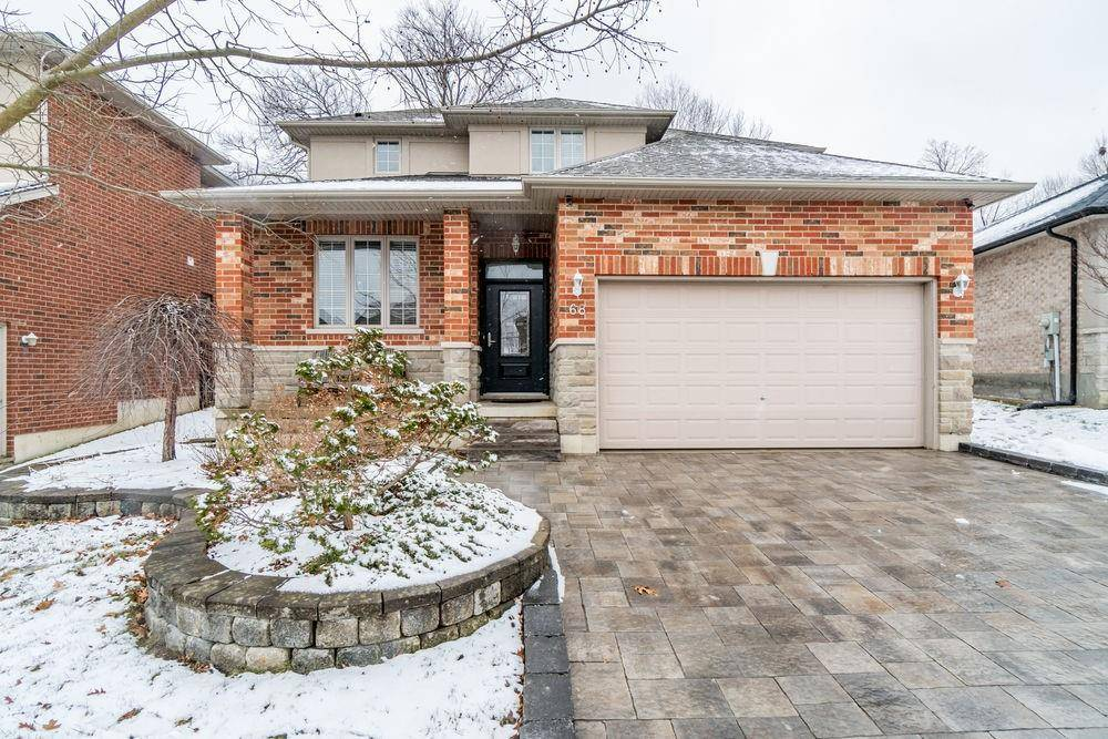House for sale at 68 Newcombe Rd Dundas Ontario - MLS: H4073400