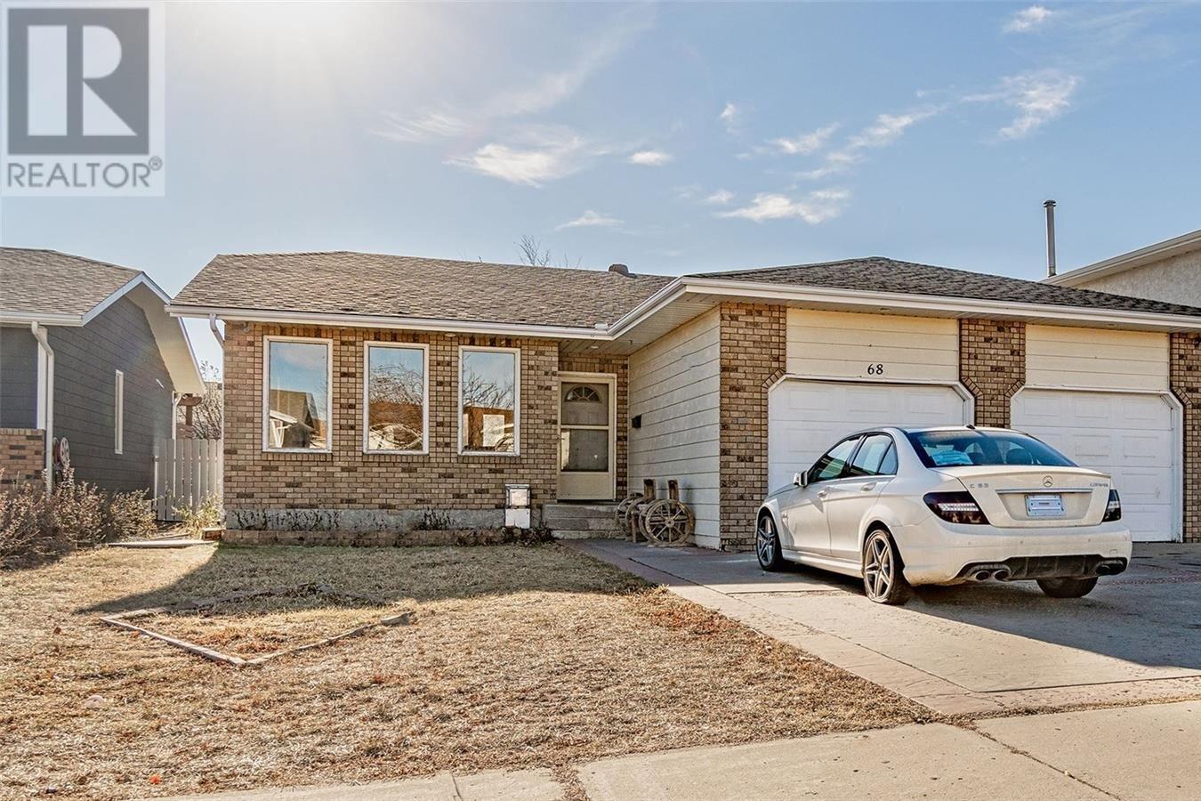 House for sale at 68 Taylor Cres Moose Jaw Saskatchewan - MLS: SK831767