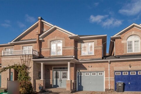 Townhouse for sale at 68 Unionville Cres Brampton Ontario - MLS: W4992598