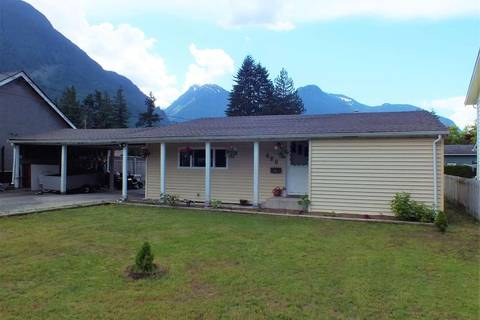 House for sale at 680 7th Ave Hope British Columbia - MLS: R2372898