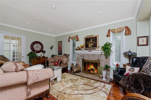 For Sale: 6808 Estoril Road, Mississauga, ON | 3 Bed, 2 Bath House for $749,900. See 20 photos!
