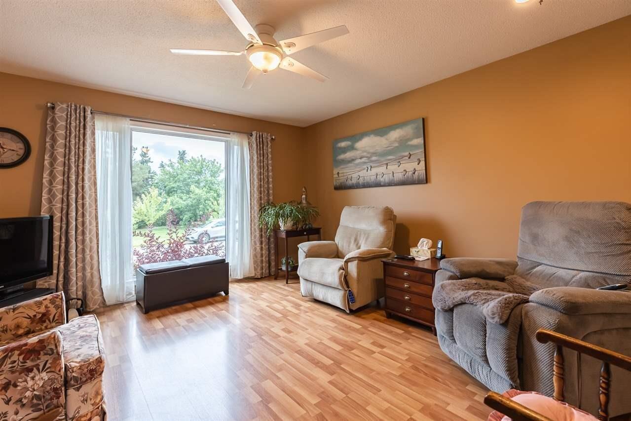 House for sale at 6828 135a Av NW Edmonton Alberta - MLS: E4214431