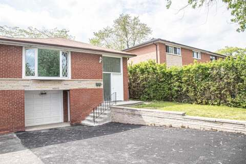 Townhouse for sale at 6849 Darcel Ave Mississauga Ontario - MLS: W4812388