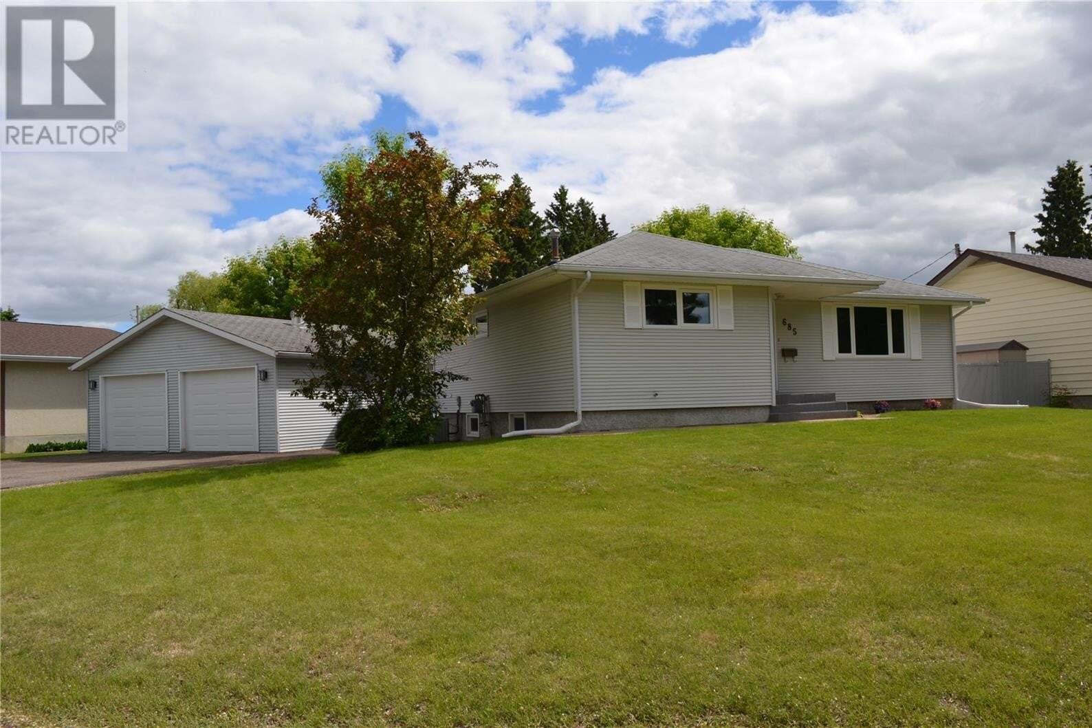 House for sale at 685 River St E Prince Albert Saskatchewan - MLS: SK814047