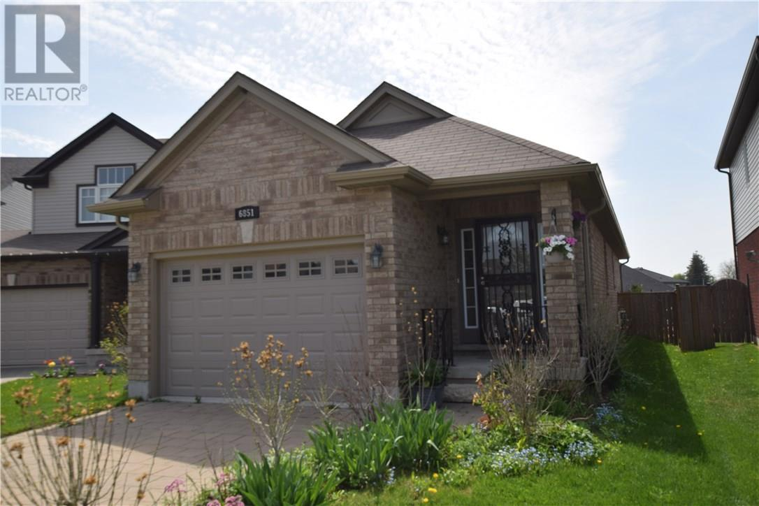 For Sale: 6851 Vallas Circle, London, ON | 3 Bed, 2 Bath House for $399,900. See 17 photos!