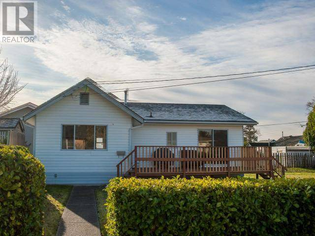 6878 Invermere Court, Powell River | Image 1