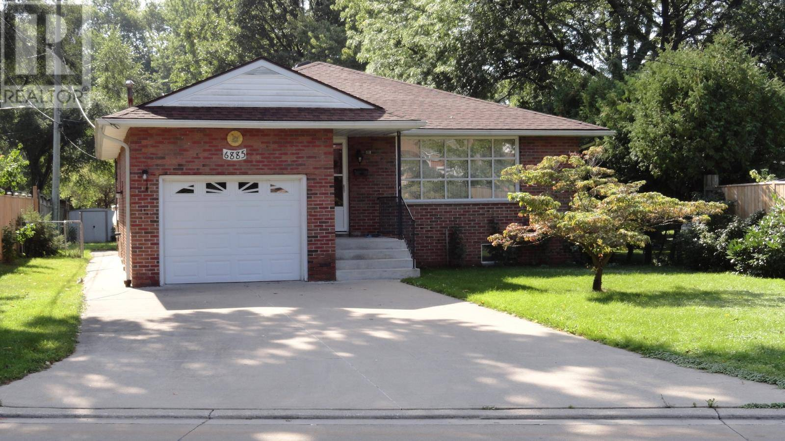 House for sale at 6885 Raymond Ave Windsor Ontario - MLS: 19026355