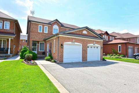 Townhouse for sale at 6887 Bansbridge Cres Mississauga Ontario - MLS: W4781896