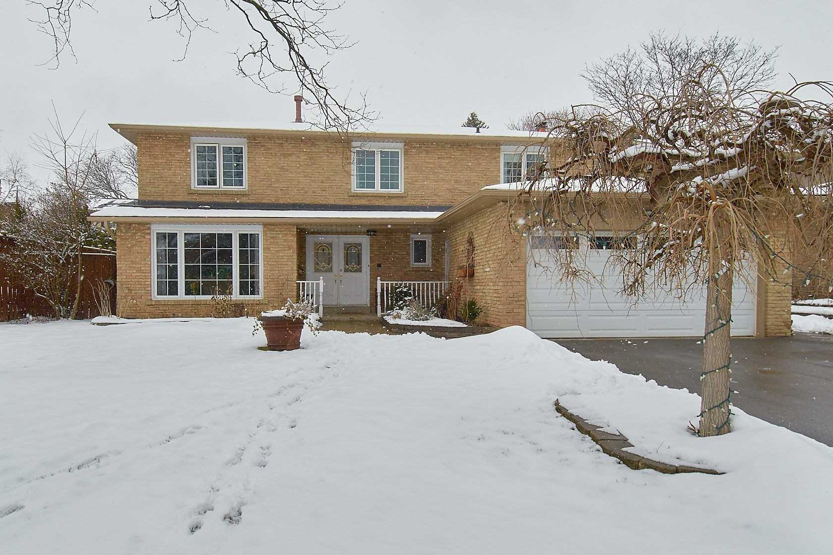 For Sale: 6897 Barrisdale Drive, Mississauga, ON | 4 Bed, 4 Bath House for $1219000.00. See 20 photos!