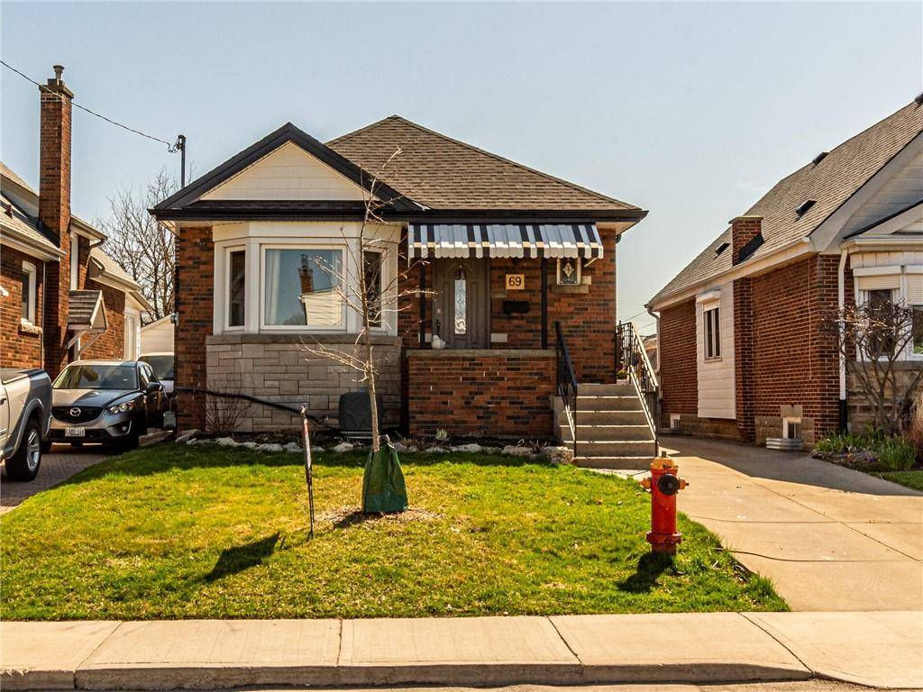 House for sale at 69 Barons Ave S Hamilton Ontario - MLS: H4076118