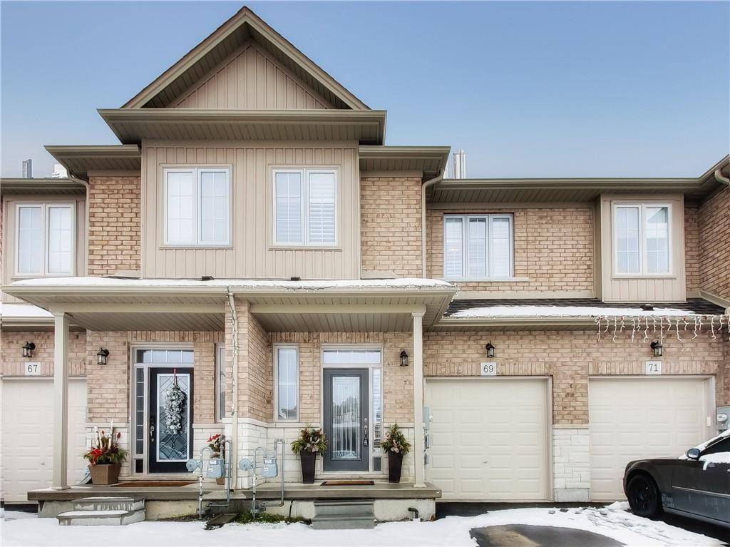 Townhouse for sale at 69 Fairgrounds Dr Binbrook Ontario - MLS: H4071750