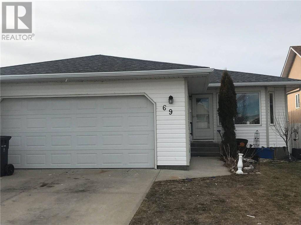 House for sale at 69 Mt Rundle Wy W Lethbridge Alberta - MLS: ld0187934