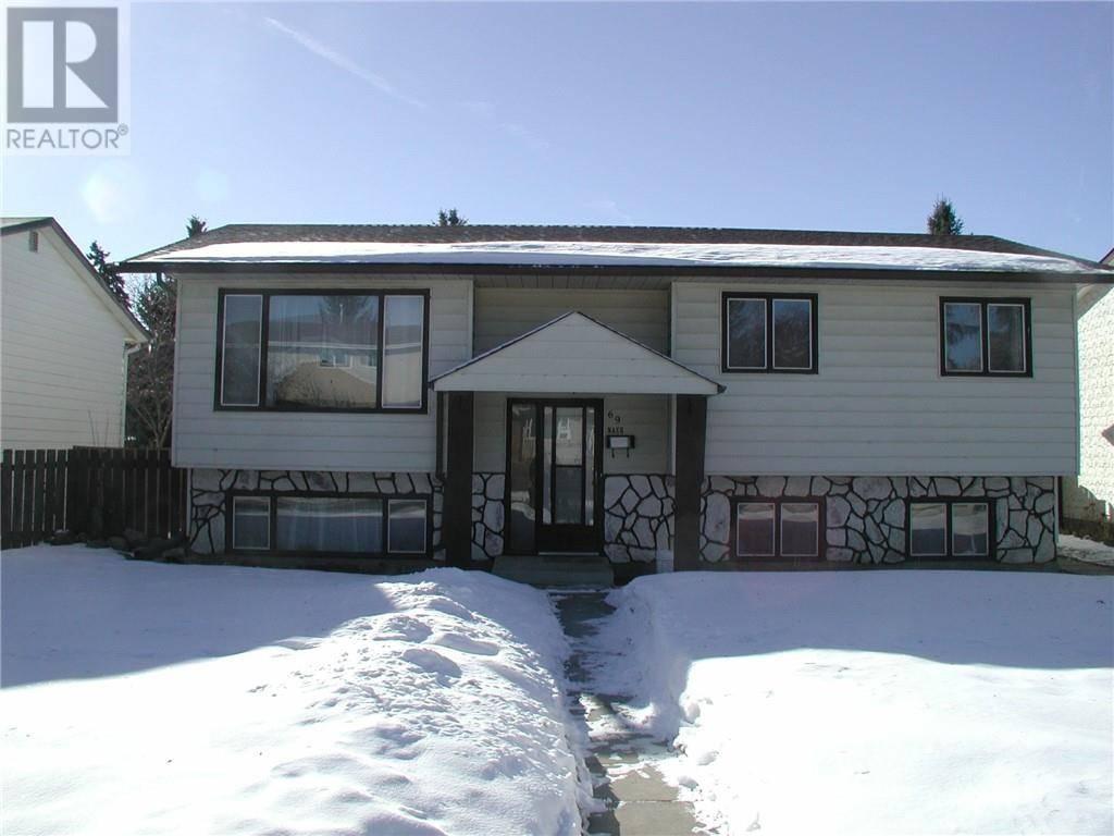 House for sale at 69 Nash St Red Deer Alberta - MLS: ca0188072