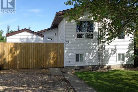 House for sale at 69 Newton Dr Penhold Alberta - MLS: ca0141308