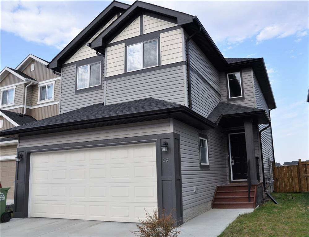 For Sale: 69 Willow Close, Cochrane, AB | 3 Bed, 2 Bath House for $425,000. See 29 photos!