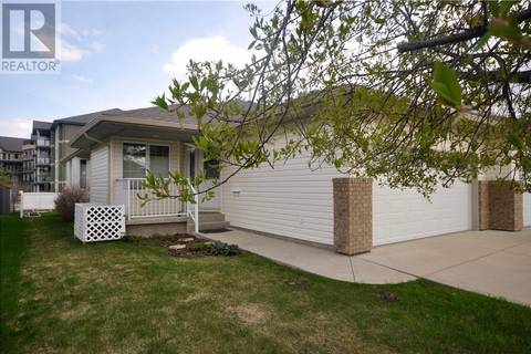 Townhouse for sale at 6903 Cobb St Lacombe Alberta - MLS: ca0166043