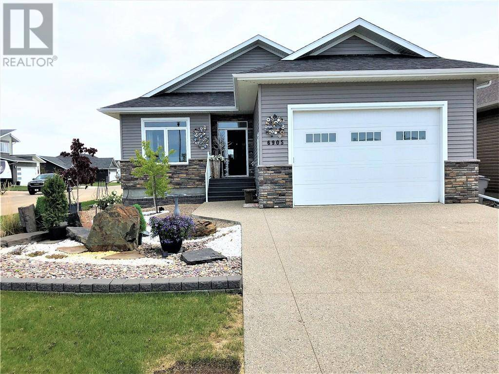 House for sale at 6905 Meadowview Cs Stettler Alberta - MLS: ca0168793