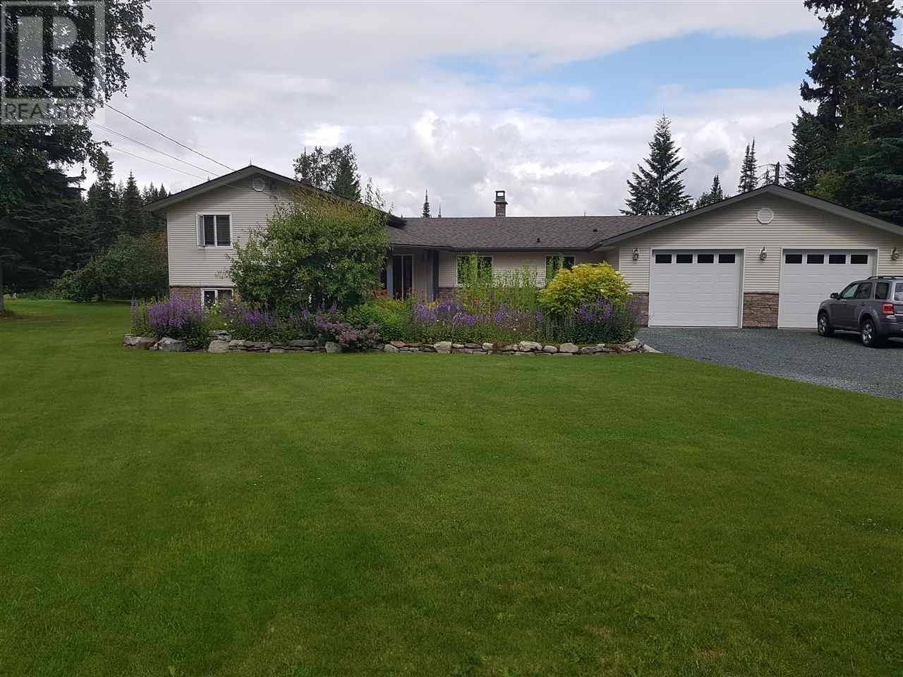 House for sale at 6909 Valleyview Dr Prince George British Columbia - MLS: R2393008