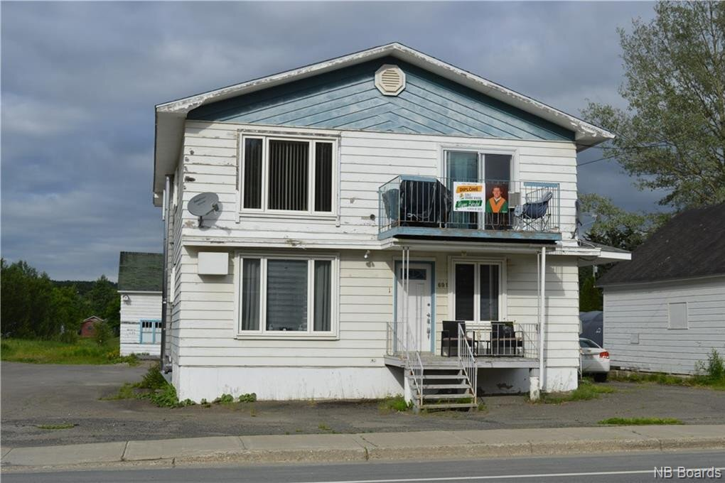 Townhouse for sale at 691 Principale St Saint Leonard New Brunswick - MLS: NB045484