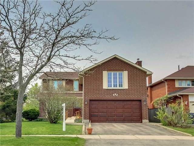 Sold: 692 Willowbank Trail, Mississauga, ON