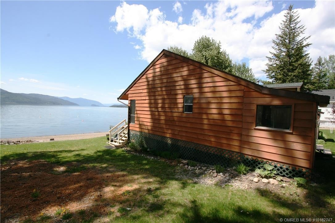 Townhouse for sale at 6924 Squilax Anglemont Rd Magna Bay British Columbia - MLS: 10182747