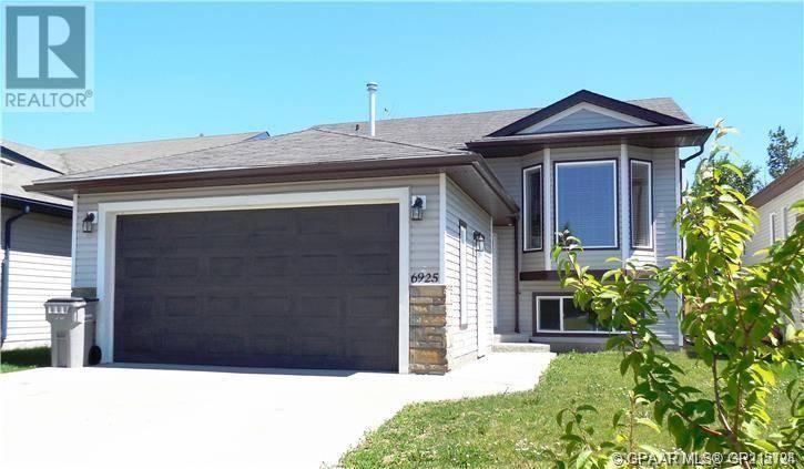 House for sale at 6925 88 St Grande Prairie Alberta - MLS: GP215124