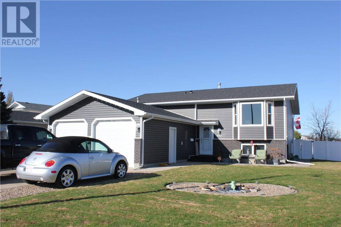 House for sale at 693 Taylor Rd Se Medicine Hat Alberta - MLS: mh0184658