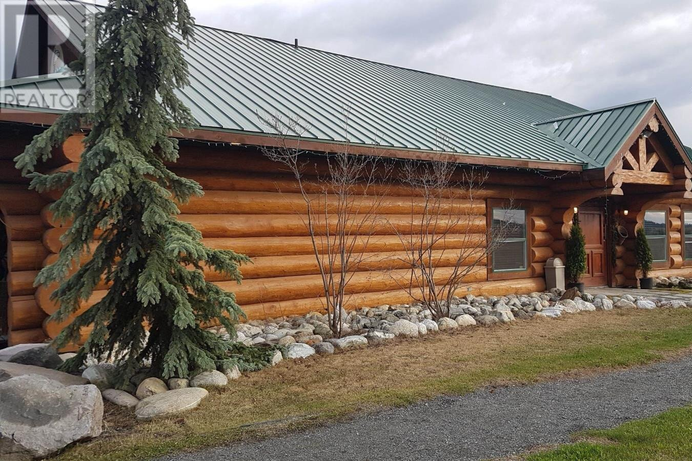 Residential property for sale at 6947 Levick Rd Deka Lake / Sulphurous / Hathaway Lakes British Columbia - MLS: R2510326