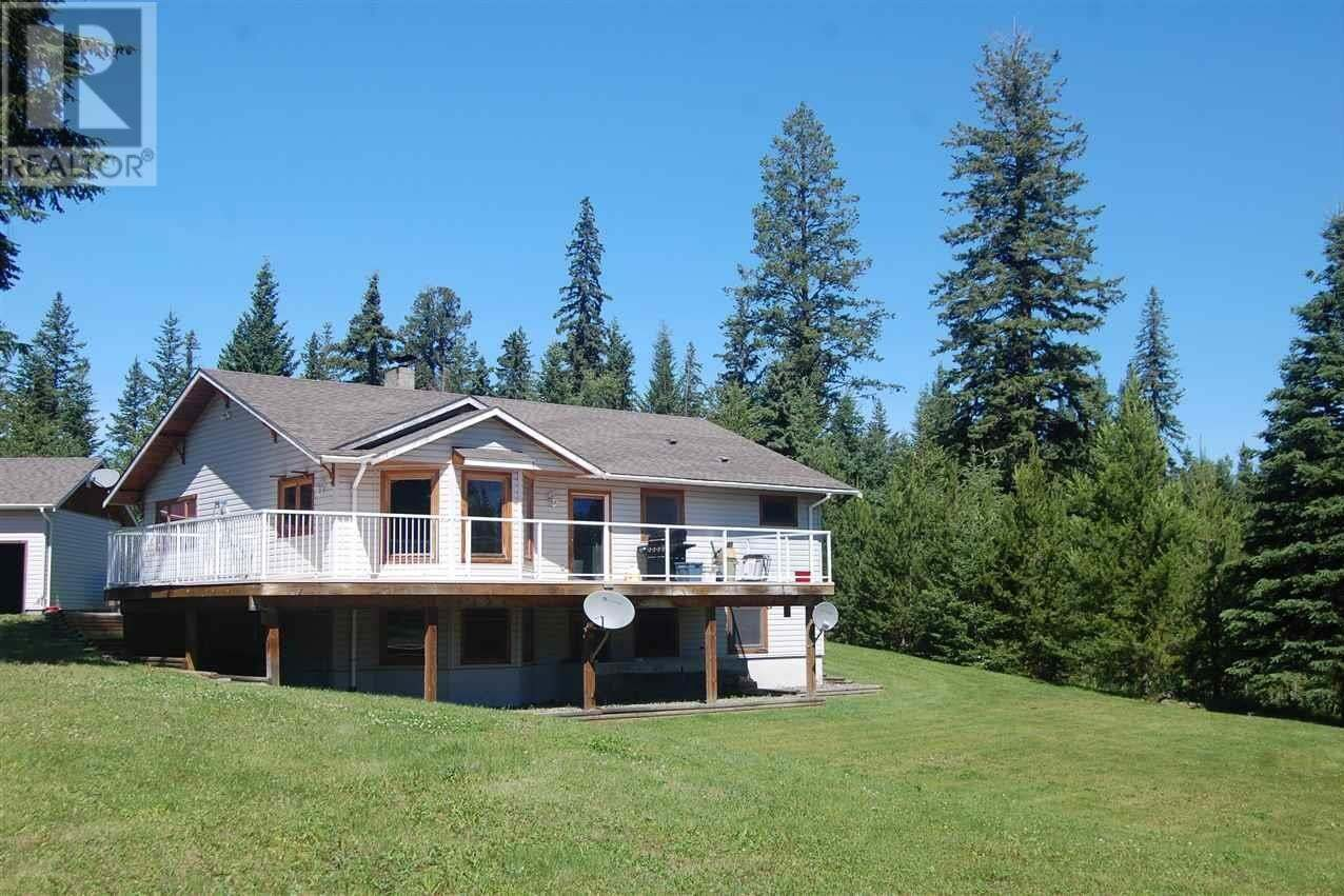 House for sale at 6951 Fawn Creek Rd Horse Lake British Columbia - MLS: R2478529