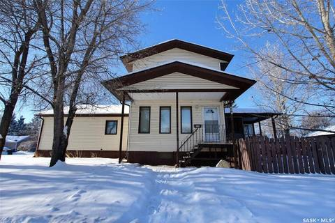 House for sale at 696 6th St E Prince Albert Saskatchewan - MLS: SK798350