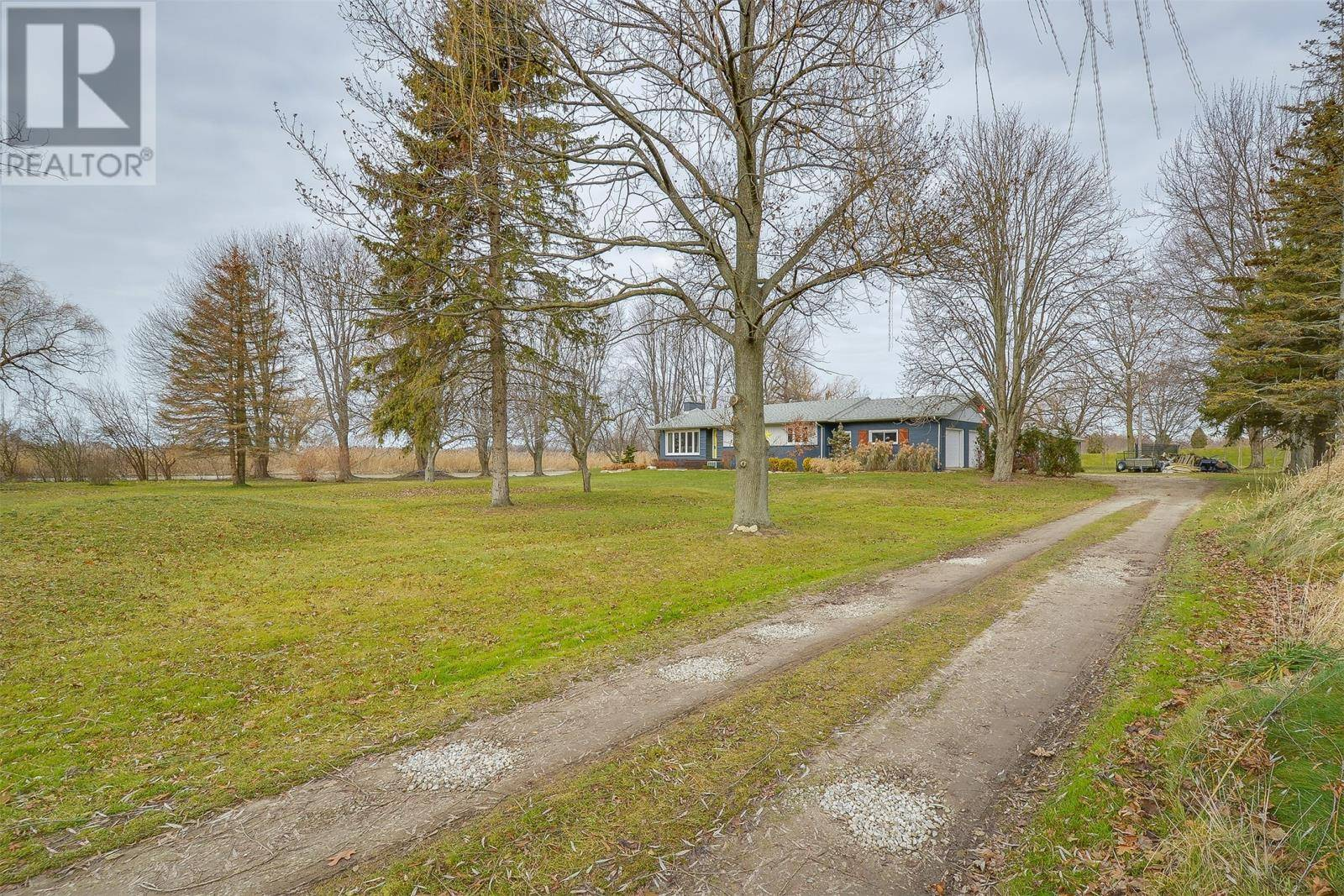 House for sale at 696 Heritage Rd Kingsville Ontario - MLS: 19029183