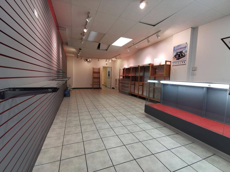 Commercial property for lease at 6969 Victoria Dr Vancouver British Columbia - MLS: C8028771