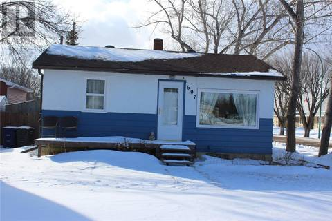 House for sale at 697 2nd St W Shaunavon Saskatchewan - MLS: SK798923