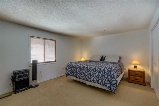 For Sale: 697 Lambshead Drive, Burlington, ON | 3 Bed, 4 Bath House for $898,500. See 20 photos!