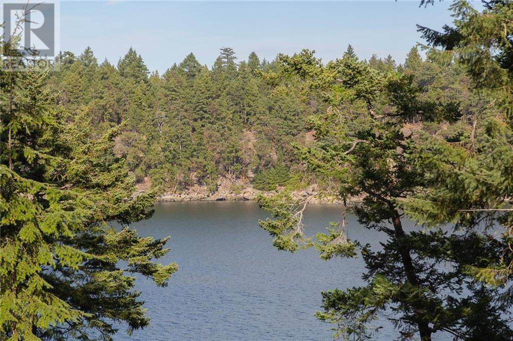 House for sale at 697 Wilkes Rd Mayne Island British Columbia - MLS: 416813