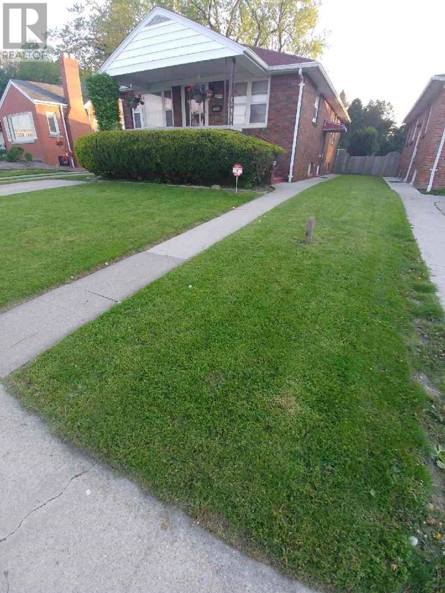 House for sale at 699 Indian Rd Windsor Ontario - MLS: 20003969