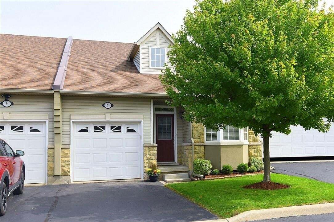 Townhouse for sale at 212 Stonehenge Dr Unit 7 Ancaster Ontario - MLS: H4088173