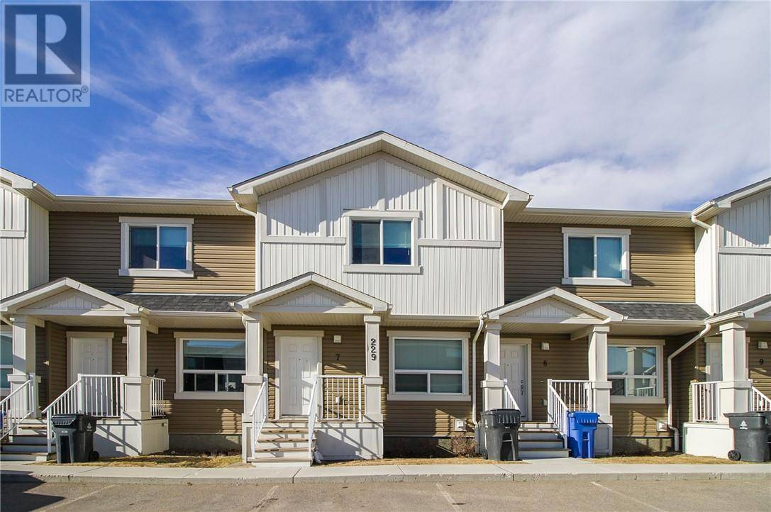 Townhouse for sale at 229 Silkstone Rd W Unit 7 Lethbridge Alberta - MLS: ld0189588