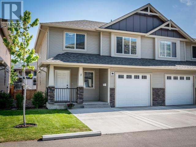 For Sale: 7 - 2592 Crestline Street, Kamloops, BC | 3 Bed, 2 Bath Townhouse for $354,900. See 18 photos!
