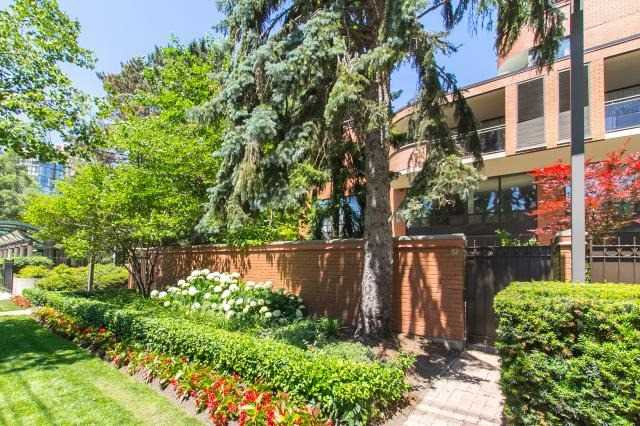 Buliding: 260 Heath Street, Toronto, ON