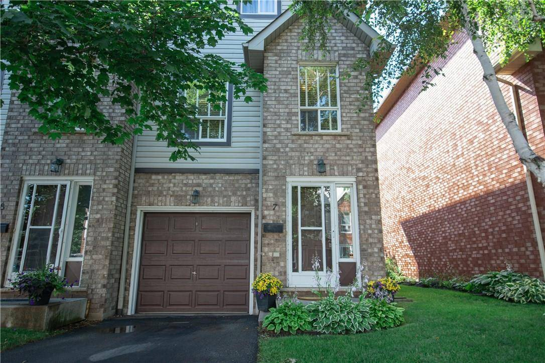 Townhouse for sale at 384 Limeridge Rd E Unit 7 Hamilton Ontario - MLS: H4060342