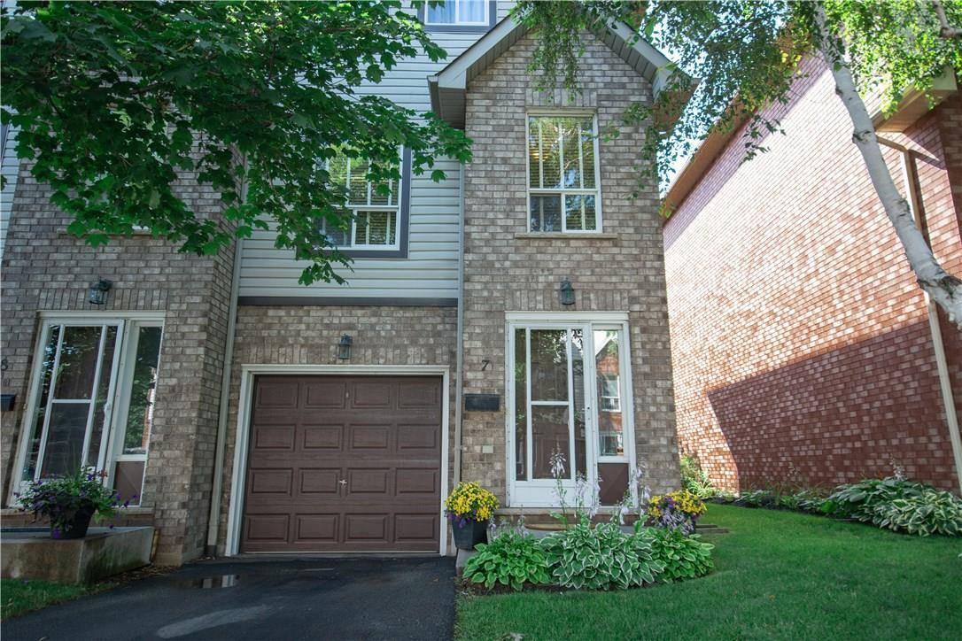 Townhouse for sale at 384 Limeridge Rd E Unit 7 Hamilton Ontario - MLS: H4060342