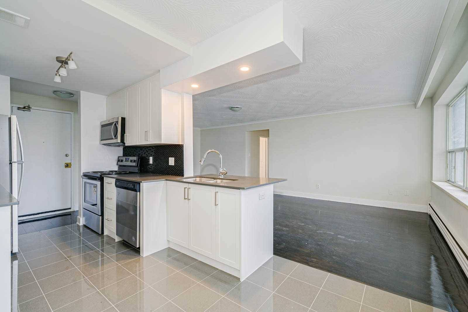 Buliding: 4 Superior Avenue, Toronto, ON