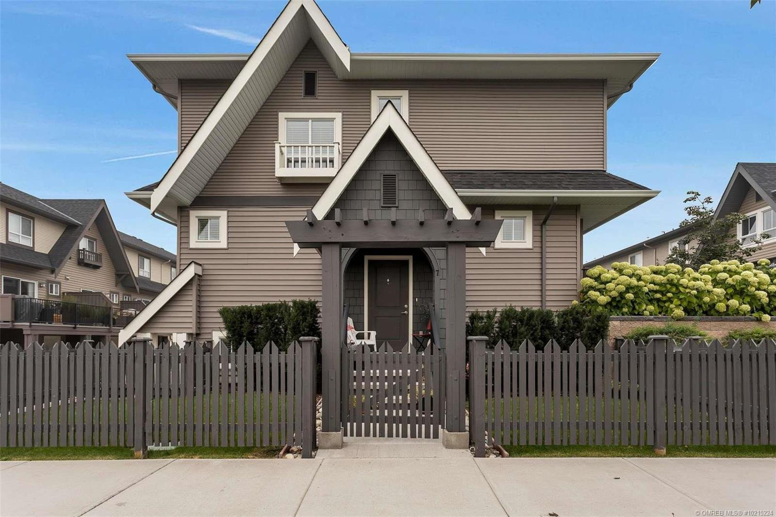 Townhouse for sale at 680 Old Meadows Rd Unit 7 Kelowna British Columbia - MLS: 10215224