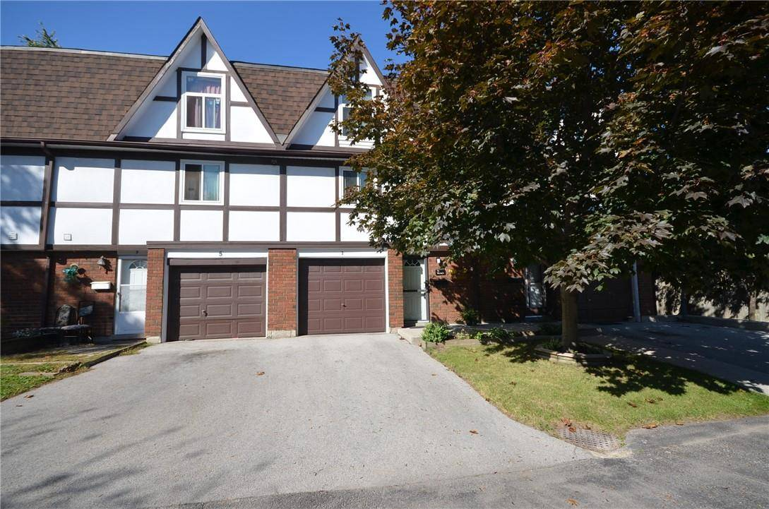 Townhouse for sale at 7 Amy Ln Hamilton Ontario - MLS: H4065615