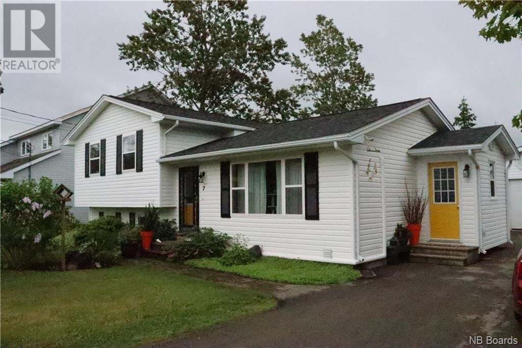 House for sale at 7 Birch St Sussex New Brunswick - MLS: NB044582