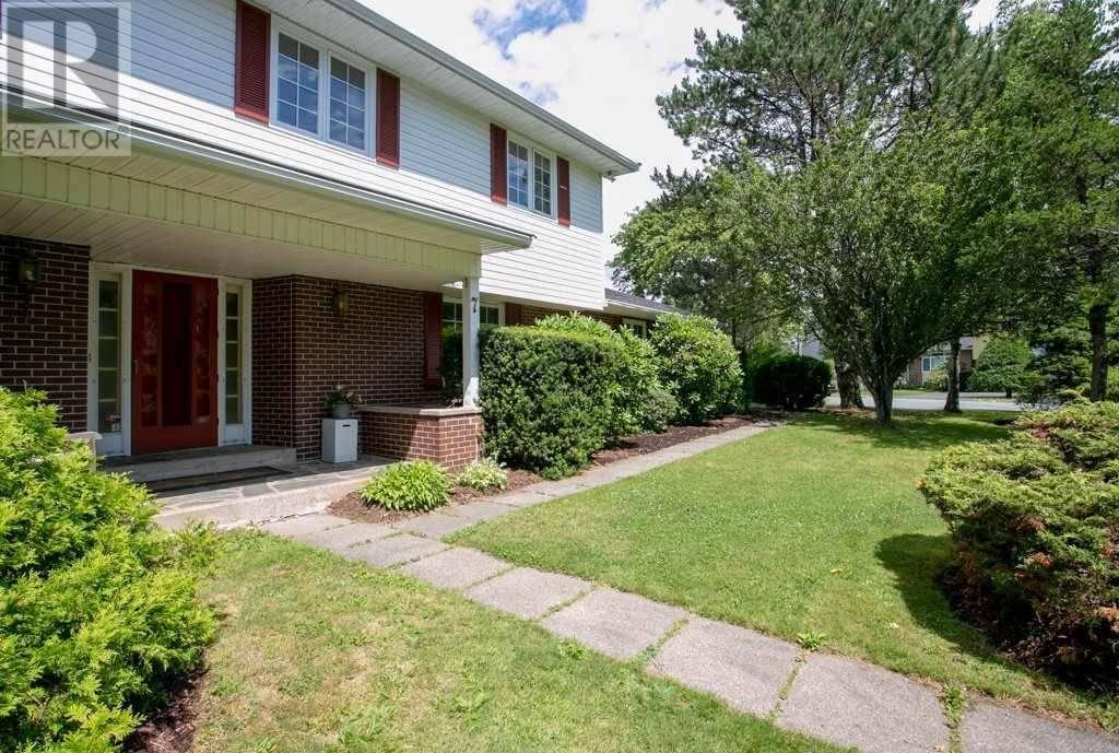 House for sale at 7 Briar Pl Halifax Nova Scotia - MLS: 201917940