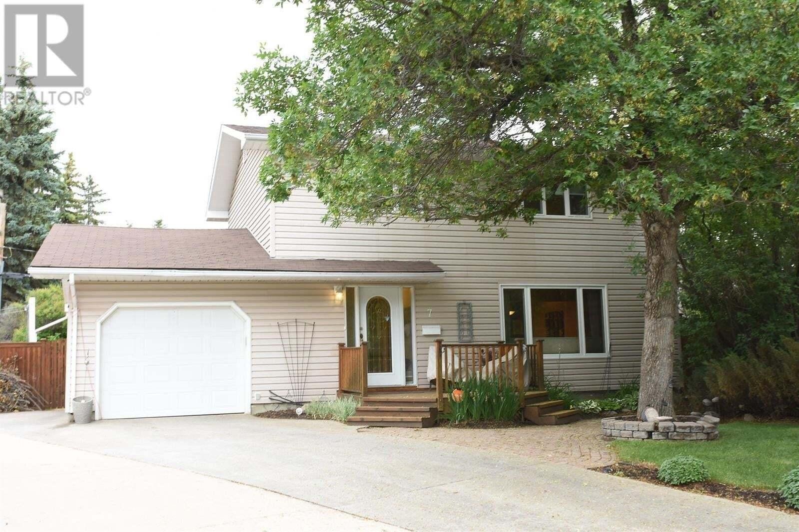 House for sale at 7 Burton Pl Regina Saskatchewan - MLS: SK814667