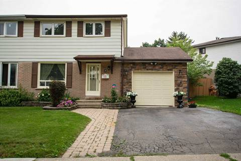Townhouse for sale at 7 Chipwood Cres Brampton Ontario - MLS: W4383187