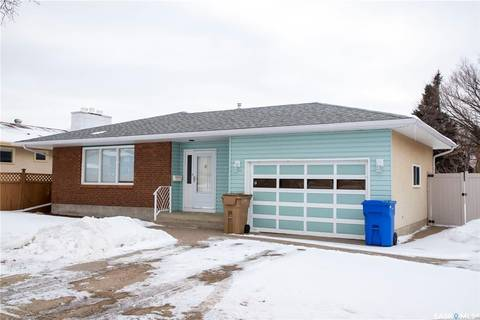 House for sale at 7 Dickinson Cres Regina Saskatchewan - MLS: SK799169